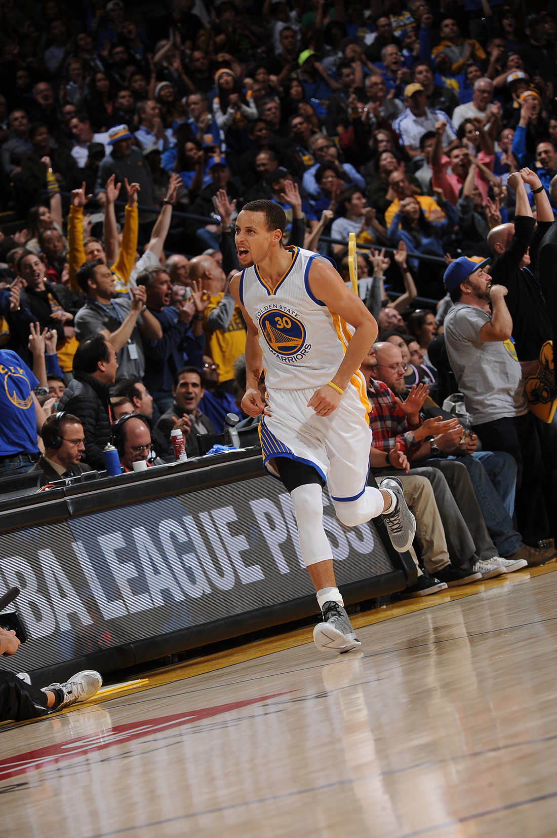 Stephen Curry y sus 51 puntos ante los Mavericks por viva basquet