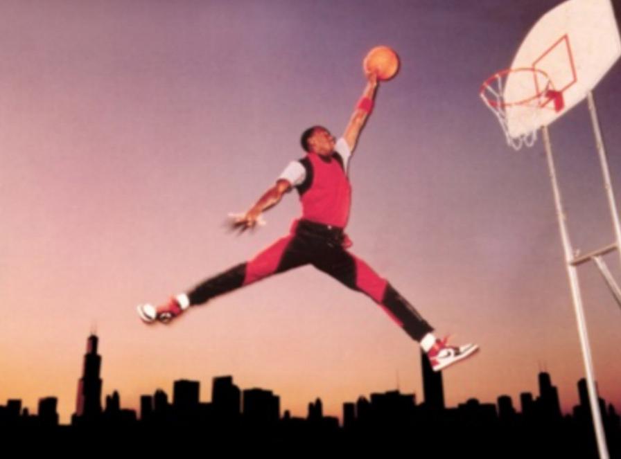 """Jordan NO uso sus Nike en el logo """"Jumpman"""". por viva basquet"""