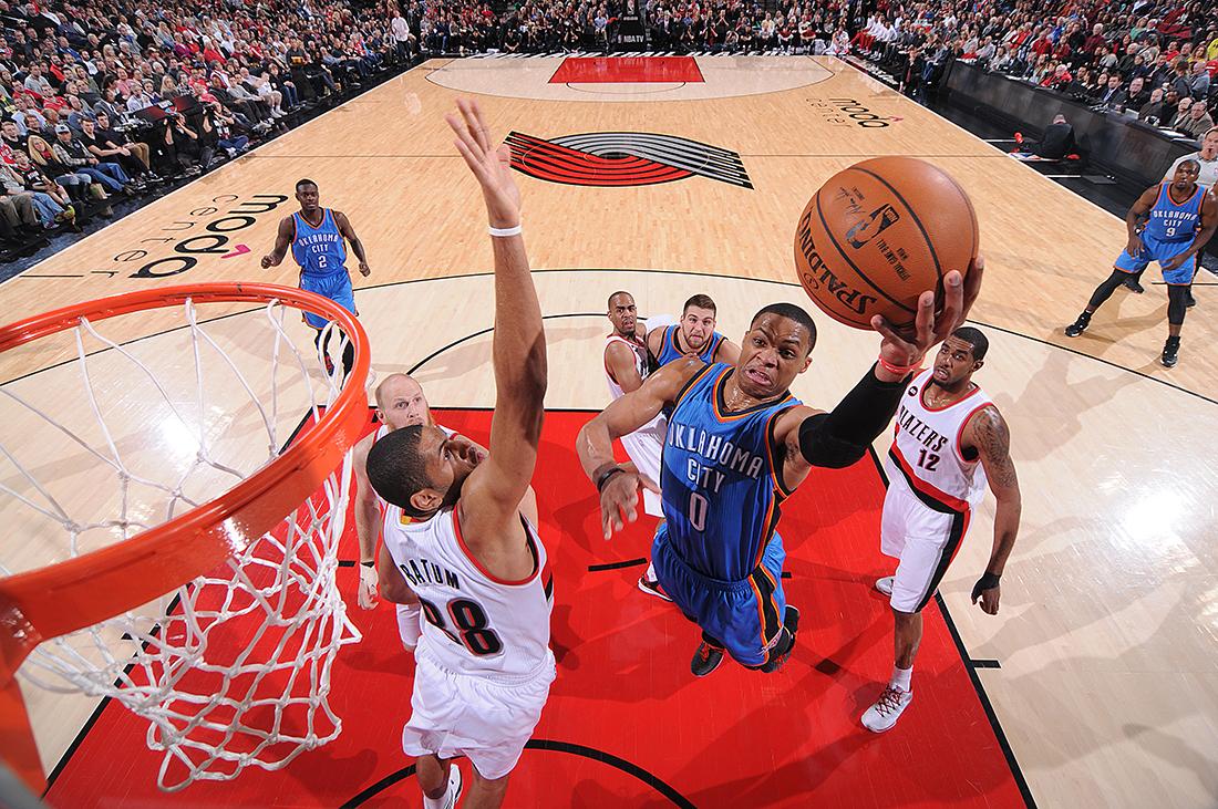 Triple doble y lesión para Russell Westbrook por viva basquet