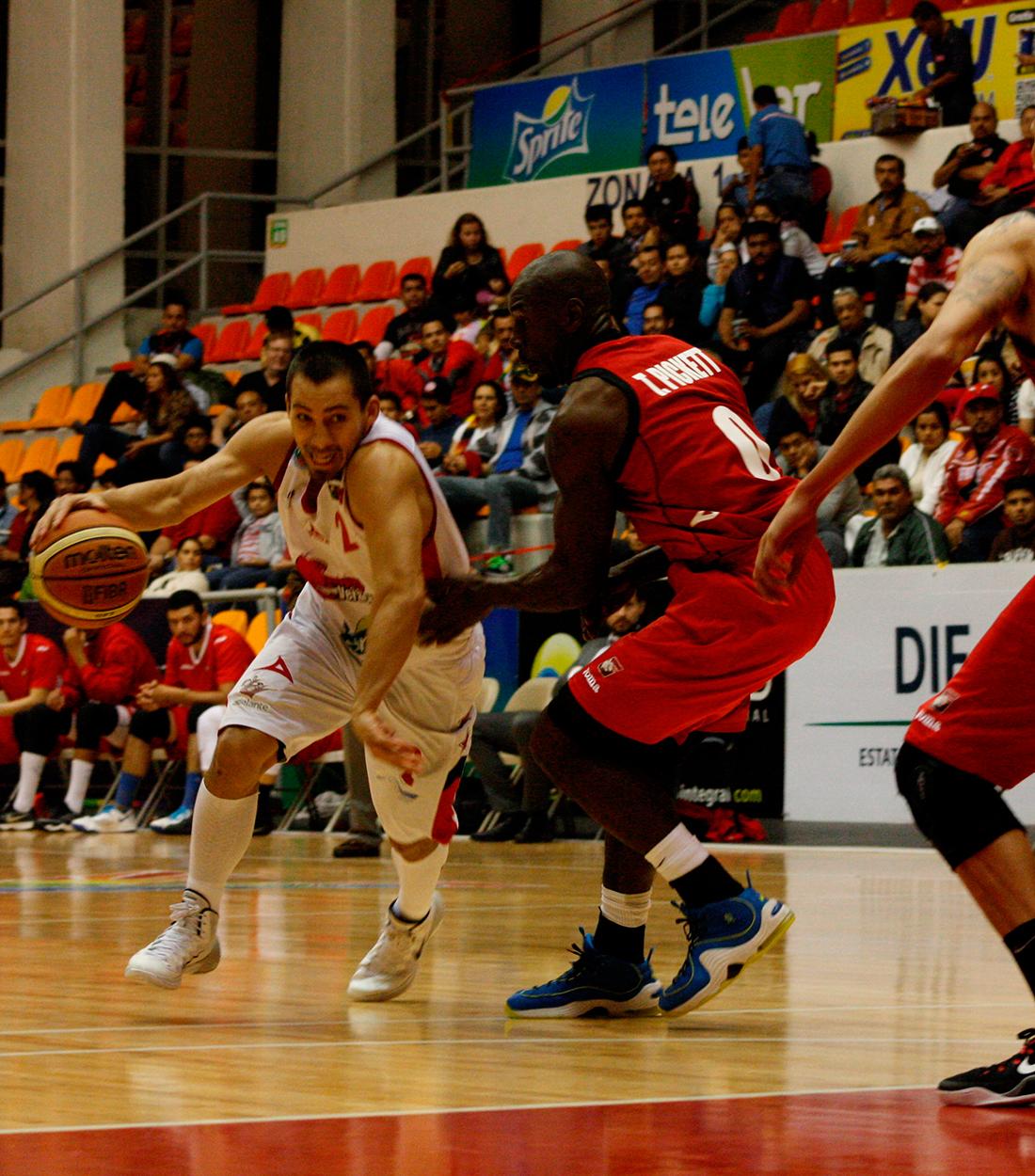 Halcones Rojos retoma la ventaja sobre Gigantes por viva basquet
