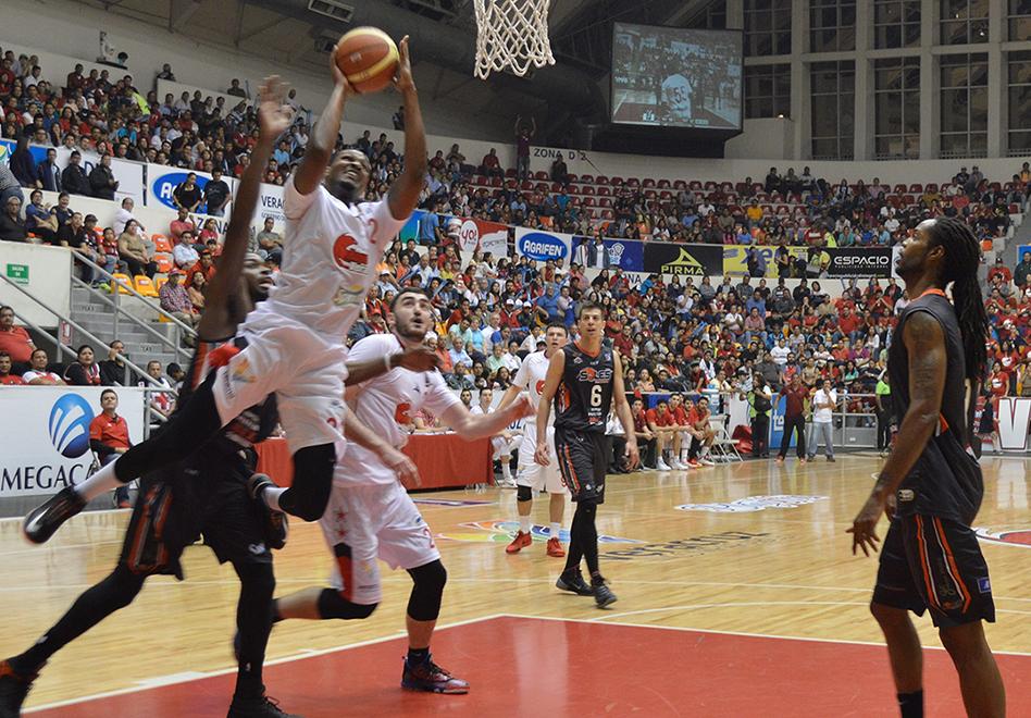 Xalapa y Veracruz toman ventaja en la LNBP por viva basquet