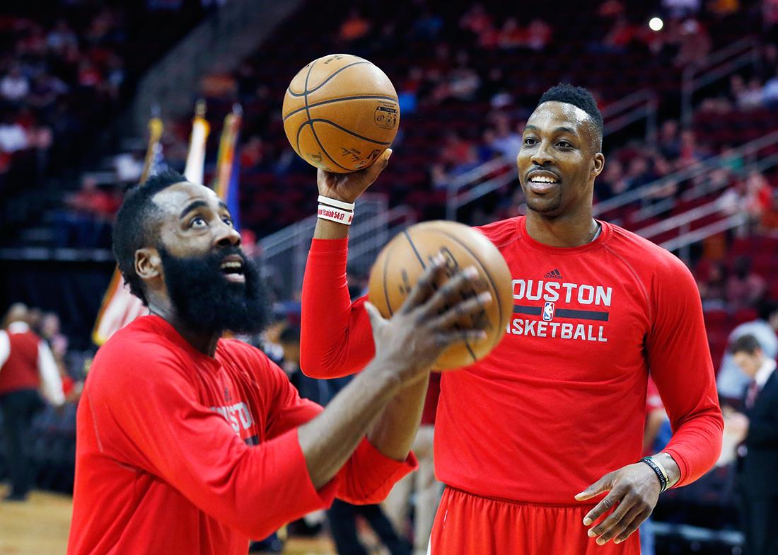 Harden y Howard guían a los Rockets por viva basquet