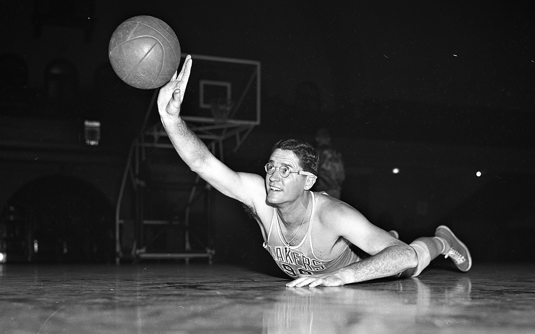 La historia de uno de los monstruos más grandes del basquetbol, la NBA por viva basquet