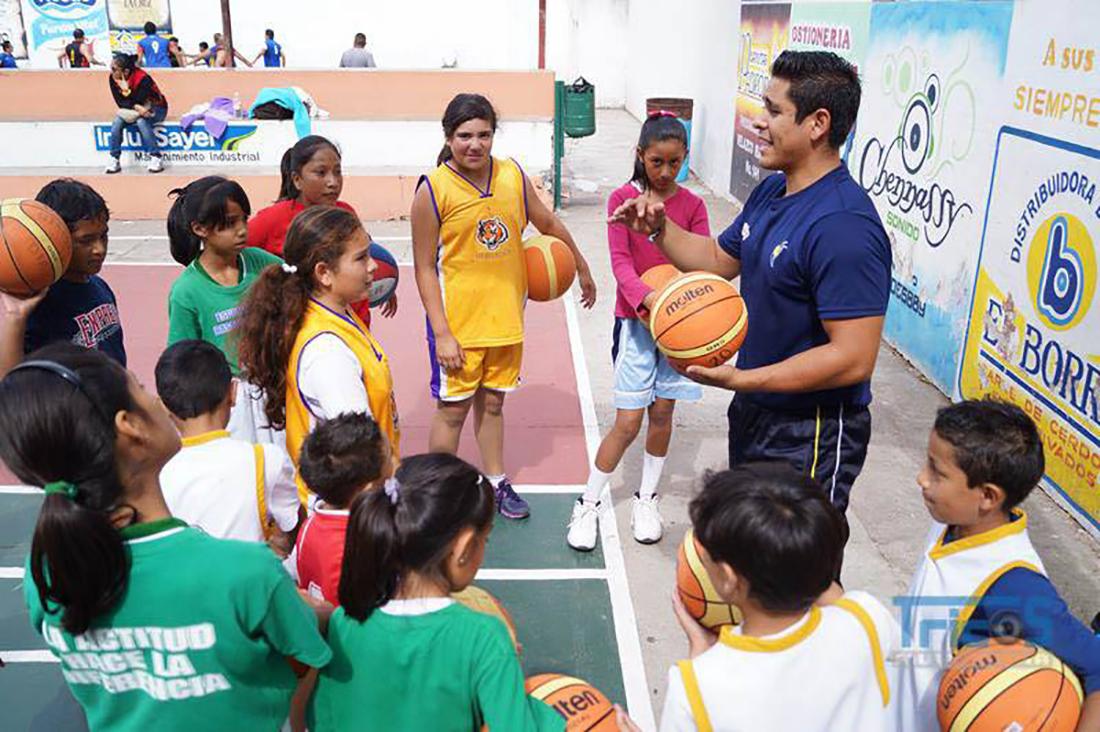 Jonathan Villegas por amor al juego por viva basquet