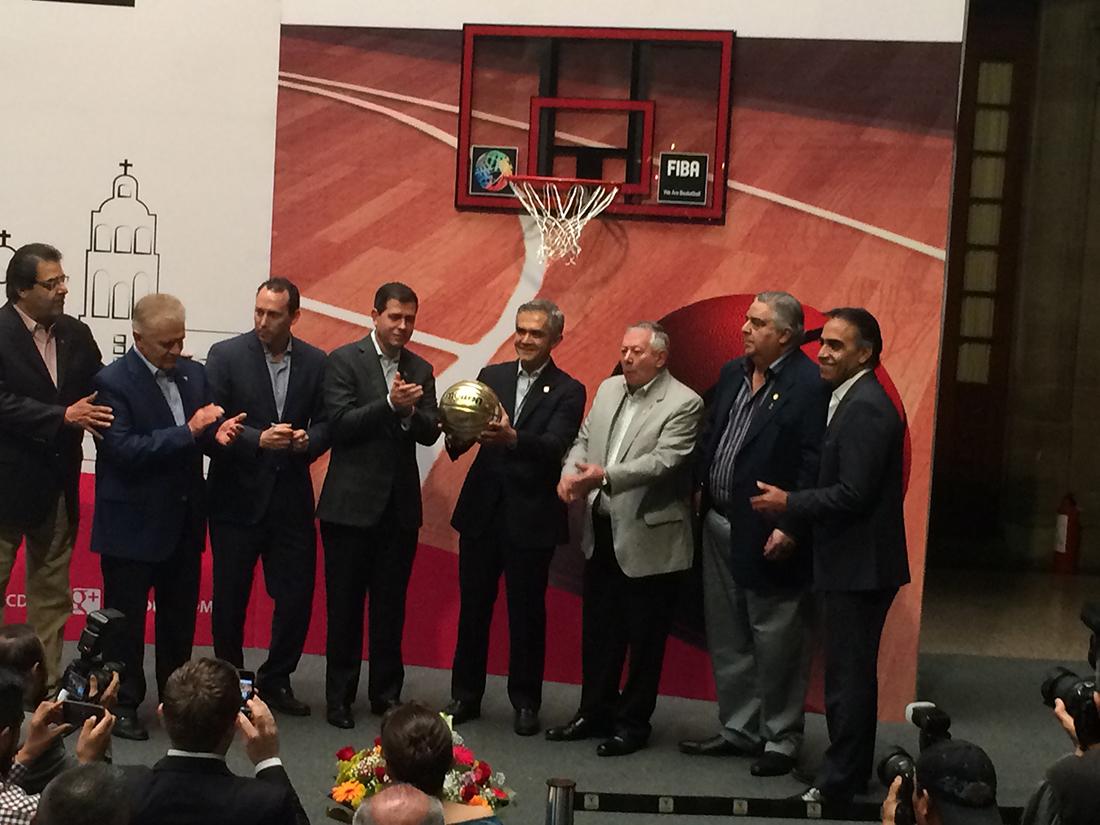 Preolímpico en el Palacio de los Deportes por viva basquet