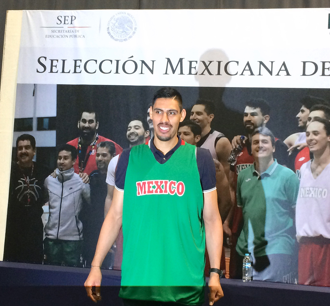 gustavo ayon esta de regreso con la seleccion mexicana de basquetbol