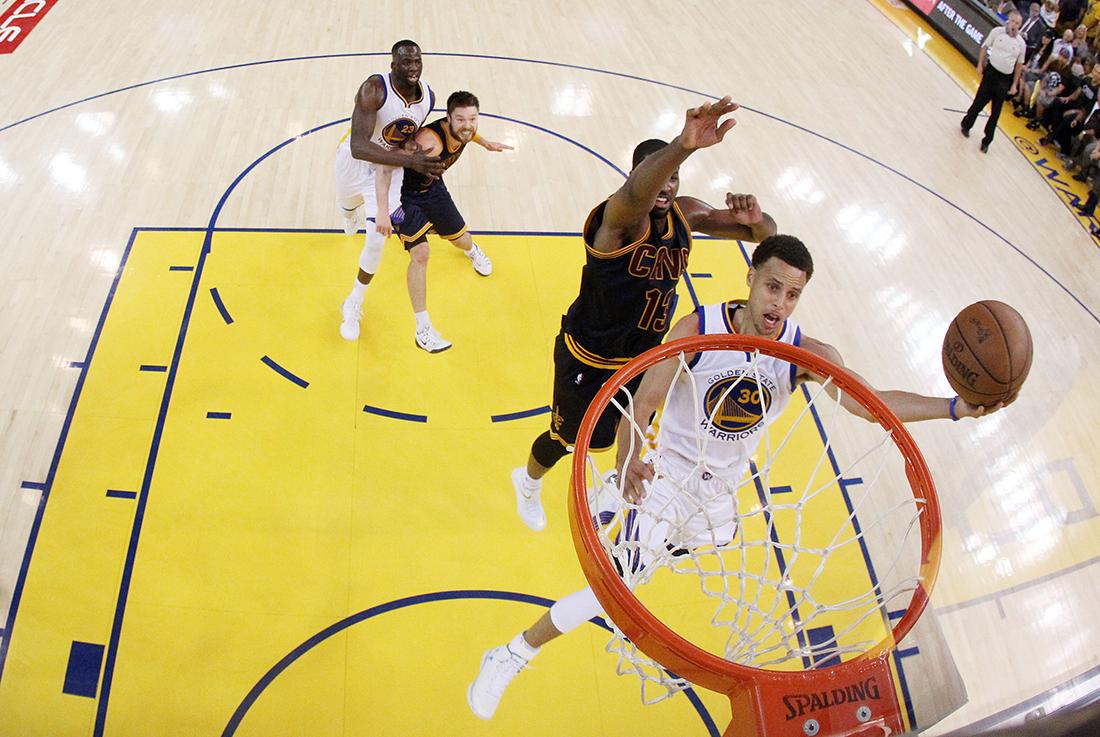 Los Warriors a uno del título por viva basquet