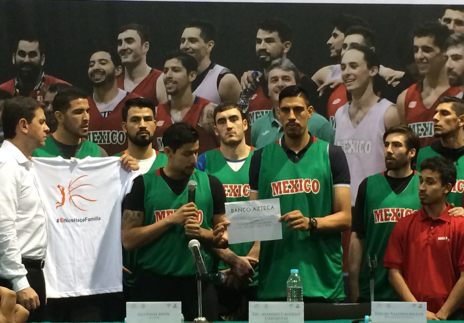 seleccion mexicana de basquetbol Apoya a las Pumas Club despues de el accidente