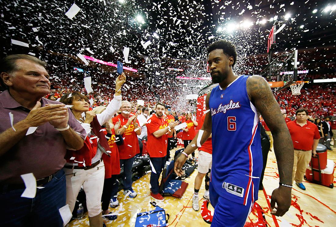 DeAndre Jordan planta a los Mavs y firma con Clippers