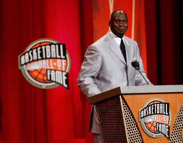FIBA inmortaliza a Michael Jordan por Viva Basquet