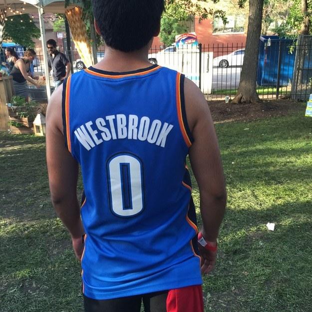 Hoopsters de Pitchfork Festival poir viva basquet