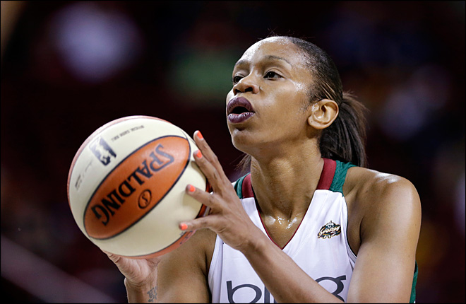 TinaThompson de la WNBA en vivabasquet