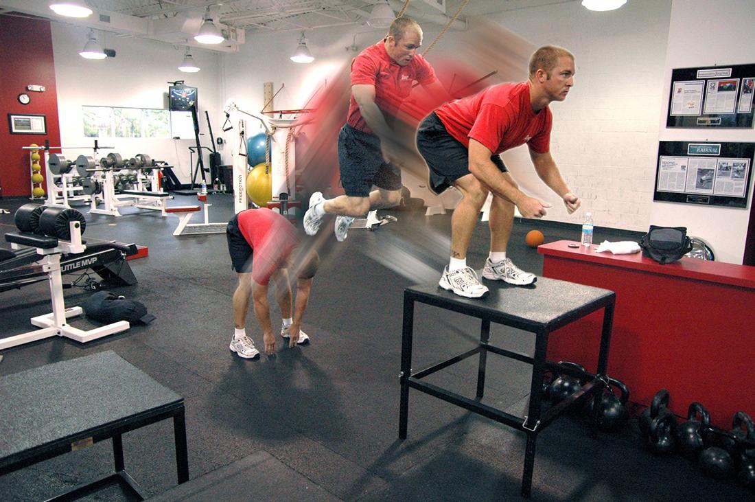 Ejercicios para desarrollar la potencia muscular en el gimnasio o crossfit.