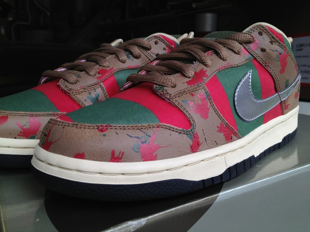 A Nightmare on Elm Street (Pesadilla en la calle del infierno)- Nike Dunk SB Low Sample