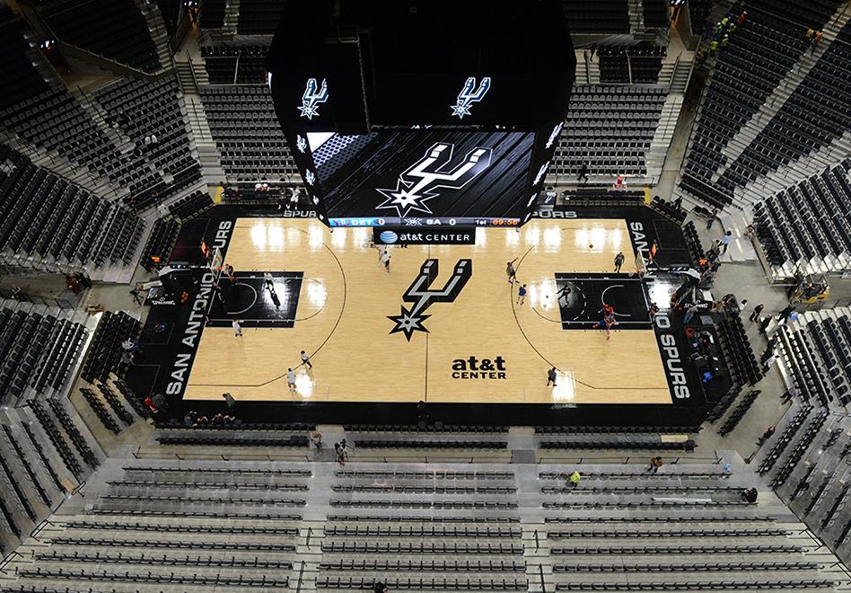 Los Spurs andan de estreno con el AT&T Center renovado
