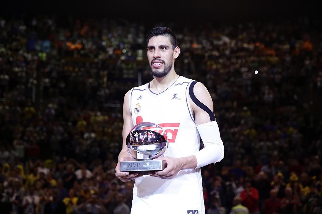 Gustavo Ayón el MVP de la Copa del Rey