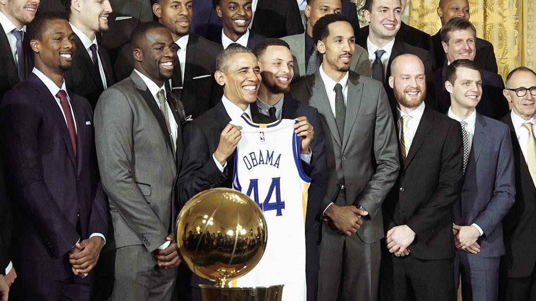 Barack Obama recibe a los campeones de la NBA en la Casa Blanca