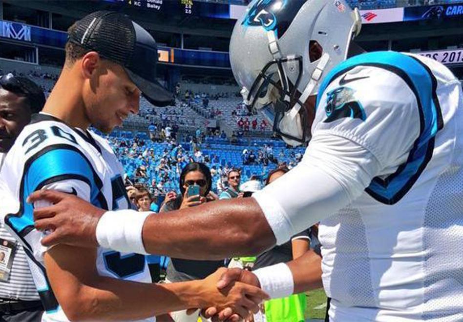 Cam Newton se enamoro de sus nuevos ' Steph Curry 2s ' para el Super Bowl 50
