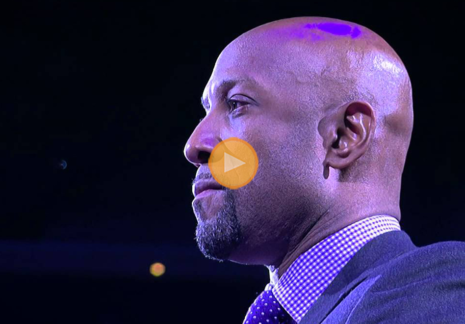 Los Hornets le rinden tributo a Alonzo Mourning