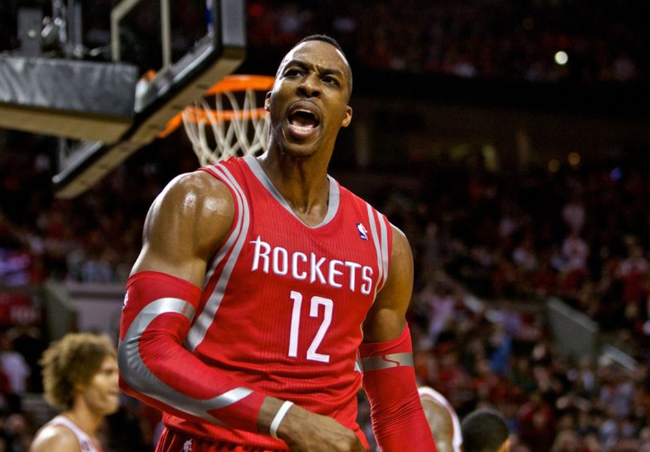 LE BUSCAN EQUIPO A DWIGHT HOWARD