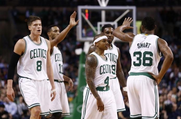 Los Celtics levantan la mano en el Este