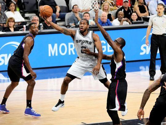 Los Spurs van récord tras récord