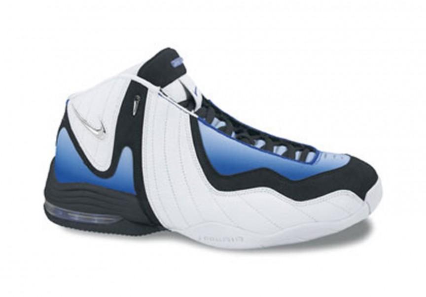 1999 Nike Air Garnett III – Kevin Garnett.