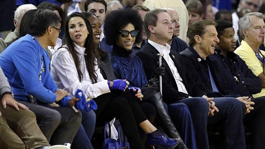 El Basquetbol Lamenta la Muerte de Prince foto 2