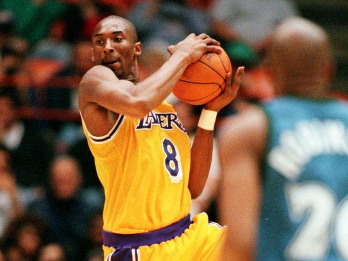 EL PRIMER JUEGO DE KOBE BRYANT EN LA NBA