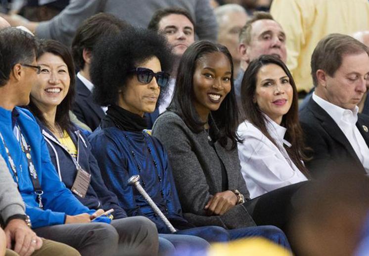 Prince un fan más de Stephen Curry
