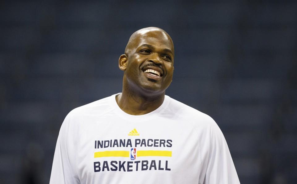 Nate McMillan toma el mando de los Pacers