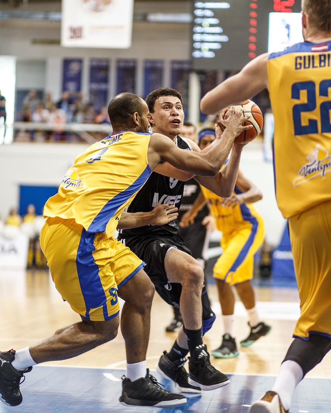 Paco Cruz y el VEF Riga se acercan a la final