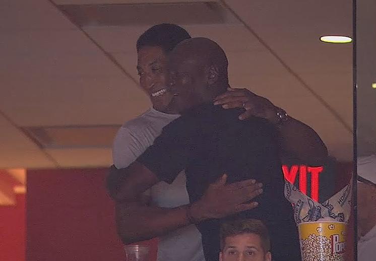 Visita sorpresa de Scottie Pippen a Michael Jordan