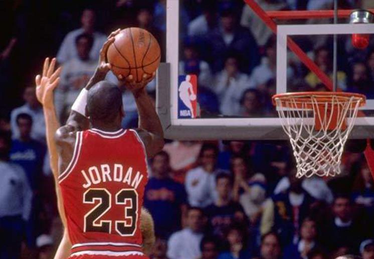 Las 5 mejores jugadas de la historia en los playoffs de la NBA.