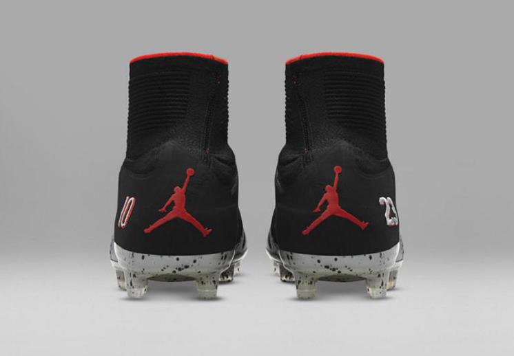 Zapatos de Neymar con el logo de Jordan