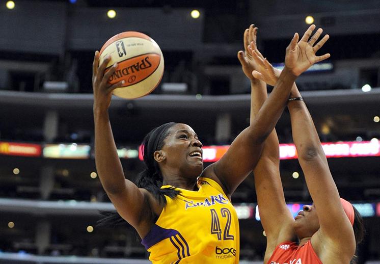 Las Sparks igualaron marca histórica en la WNBA por Viva Basquet