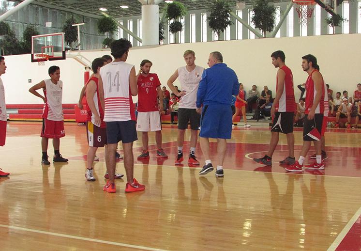 La clínica de los coaches Morales y Mondoni