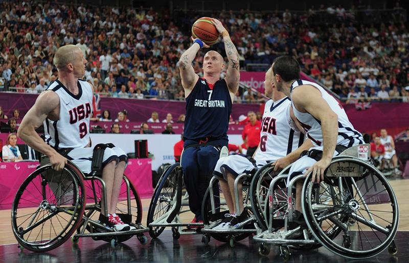 Terry Bywater es la leyenda del baloncesto en silla de ruedas.