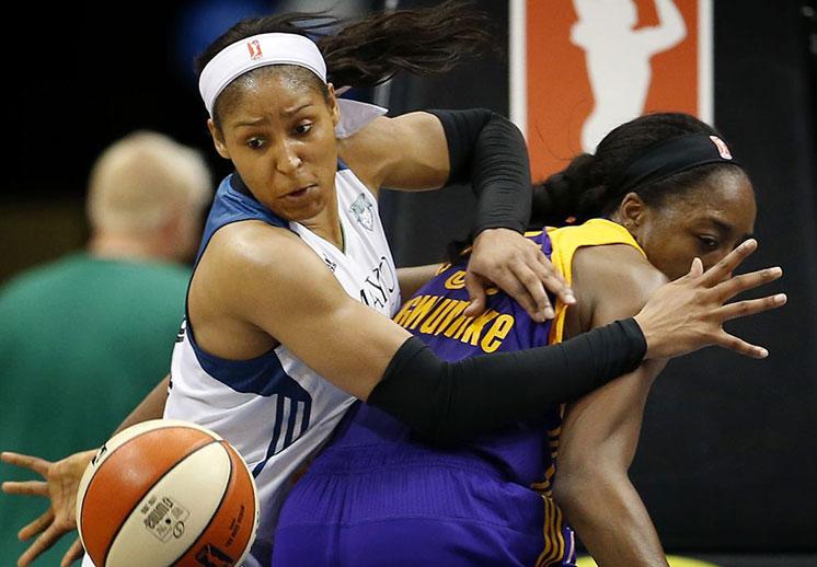 Lynx y Sparks inician la batalla por el campeonato de la WNBA