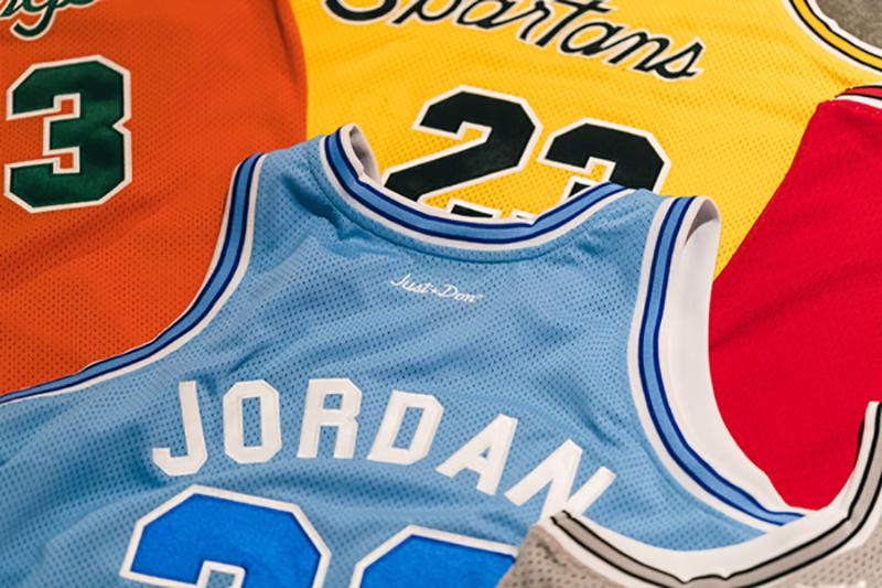 Prepas de Chicago estrenan uniforme inspirado en los Bulls. Foto 4