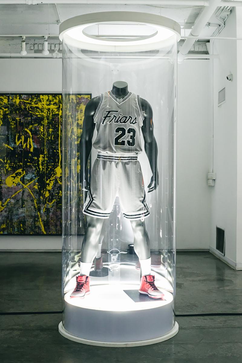 Prepas de Chicago estrenan uniforme inspirado en los Bulls. Foto 6
