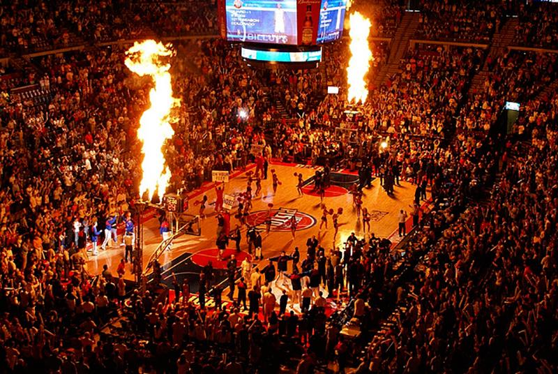 LOS PISTONS SE MUDAN a su nueva casa, la Little Caesars Arena