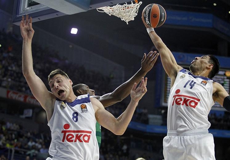 Ayón y Llull guiaron al Madrid a la victoria