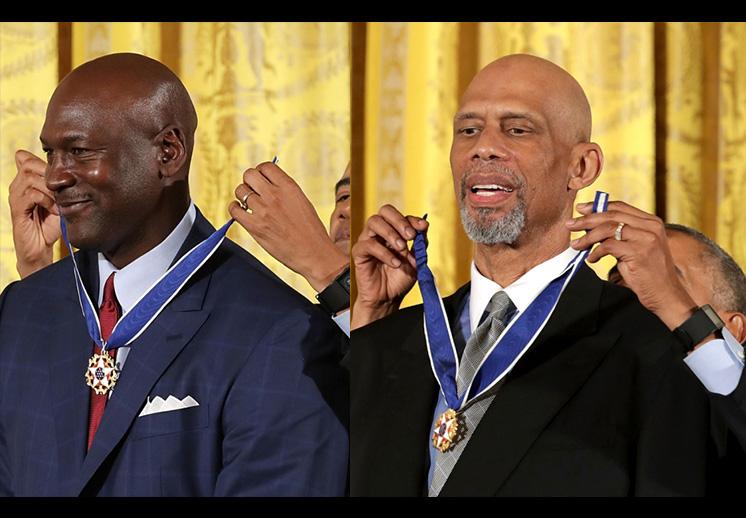 Obama condecora a Michael Jordan y Kareem Abdul-Jabbar