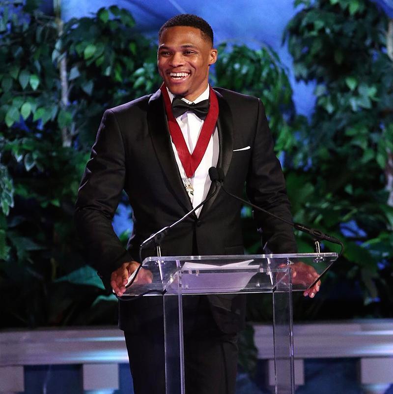 Jordan elogia a Westbrook en su inducción Salón de la Fama de Oklahoma