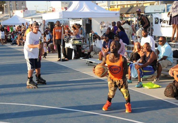 Mini Michael Jordan rompiendo tobillos en Nueva York