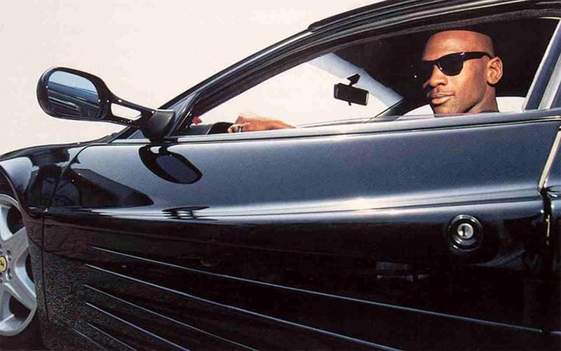 La Vida Millonaria de MJ en su coche ultimo modelo