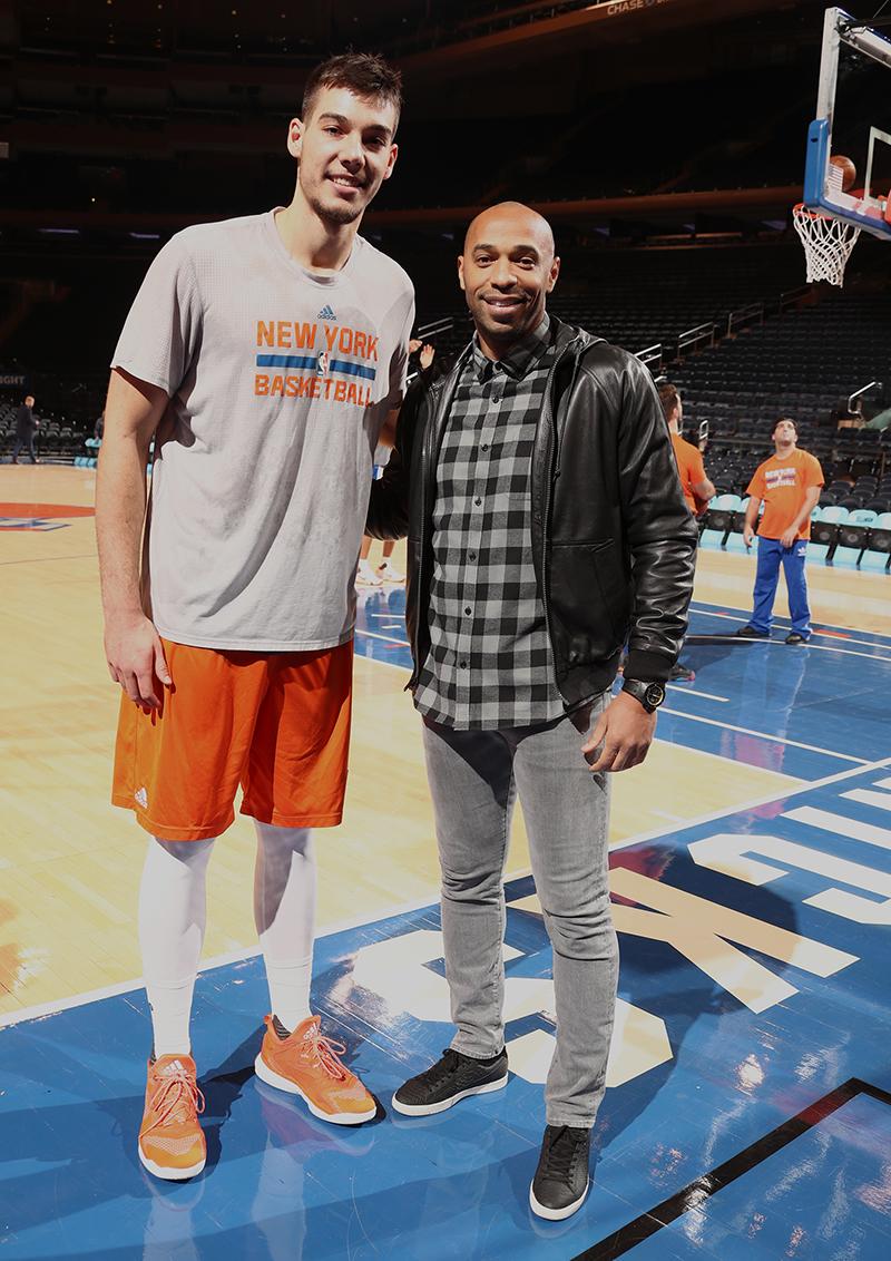 Thierry Henry de visita en el Madison Square Garden foto 1