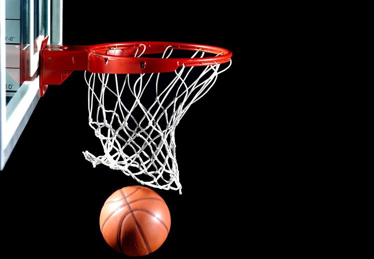 Clínica de baloncesto con el Coach Morales y Terry Layton