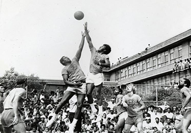 documental de las leyendas del basquetbol en el Rucker Park foto 1